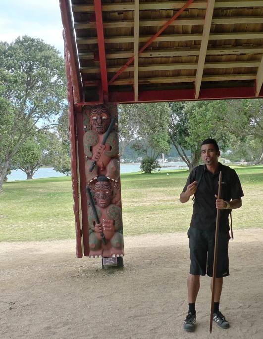 Maori gids, Waitangi Kanohal