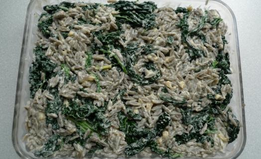 Cavolo Nero_het mixen van pasta, groente en kaas-P1080080